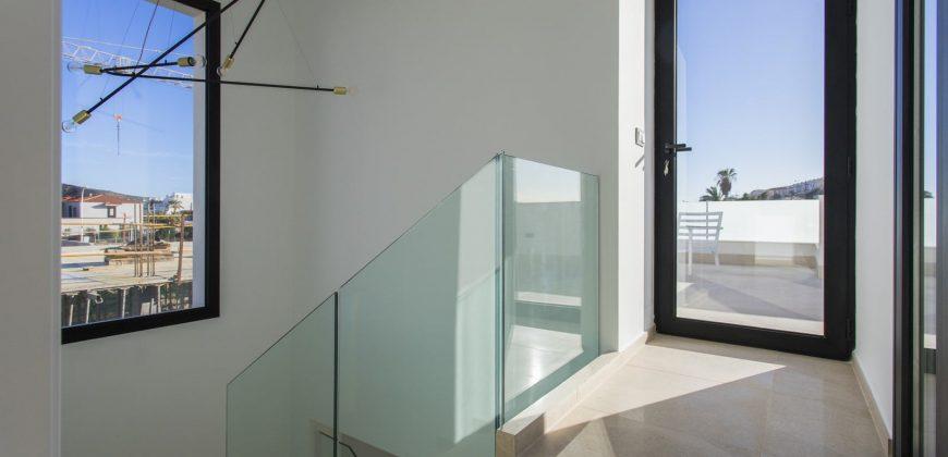 Luxurious Villas on the Beach from 295.000€