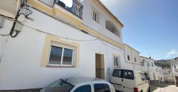 Beautiful 4 bed. House for sale in Ugíjar 54.054€