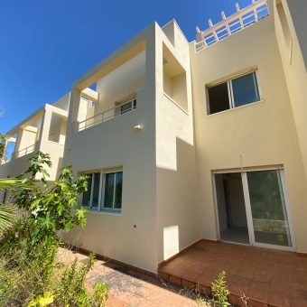 3 Storey villa 2 bed. 2 bath. in Bedar 87.700€