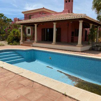 Luxurious Villa in Desert Springs 299.000€