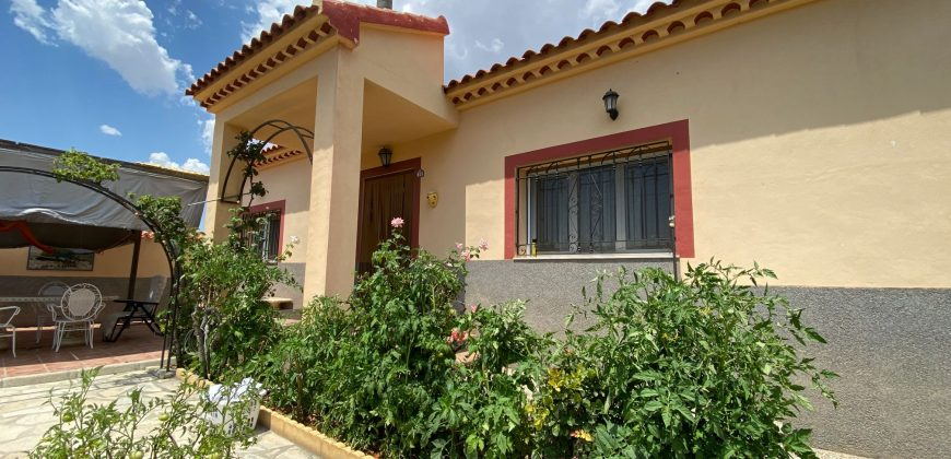 Lovely Cosy 4 Bed. 2 Bath. Villa for RENT 895€